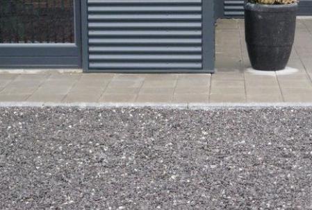 Indkørsel granitskærver